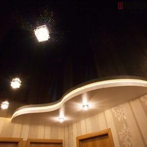 Двухуровневый потолок с подсветкой черный глянец